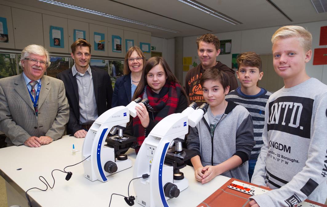 Zeiss unterstützt Karl-Kessler-Schule