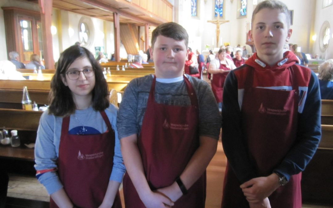 KKS-Schüler als Helfer in der Vesperkirche